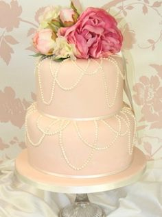 Draping pearl wedding cake