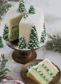 photo of a christmas tree cake covered in buttercream pine trees and dusted wi. A photo of a christmas tree cake covered in buttercream pine trees and dusted wi., A photo of a christmas tree cake covered in buttercream pine trees and dusted wi. Christmas Tree Cake, Christmas Treats, Holiday Treats, Holiday Recipes, Christmas Christmas, Creative Christmas Food, Christmas Birthday Cake, Cake Birthday, Christmas Wedding Cakes