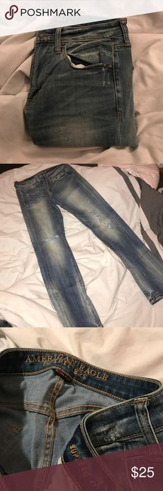 A.E. Super Skinny Jeans Active Flex, unworn, light denim, ripped at the knee, size 32x32. American Eagle Outfitters Jeans Skinny