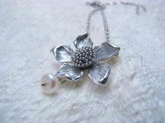 Kette rhodiniert Sonnenblume von Querbeads Atelier auf DaWanda.com