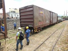 MRS Logística remove vagões abandonados na estação de Cruzeiro