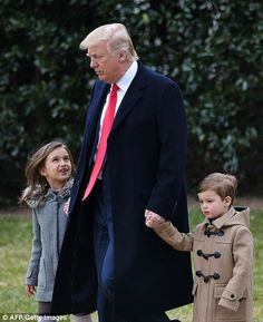 Trump spends time with Ivanka's kids before trip to South Carolina #dailymail
