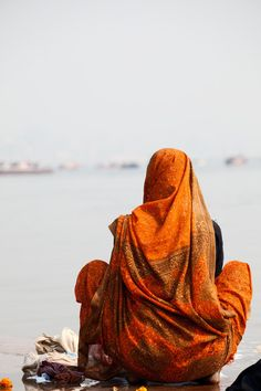 River Ganges, Varanasi, India - By Daniela Calzolari Varanasi, Shiva, Travel Photographie, India People, People Of The World, Tantra, Incredible India, Belle Photo, Taj Mahal