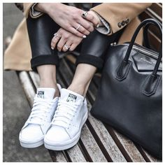 Leather leggings & white sneakers / Sporty Chic