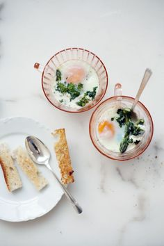 Baked eggs with potatoes and asparagus