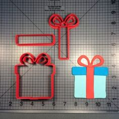 Present 104 Cookie Cutter Set
