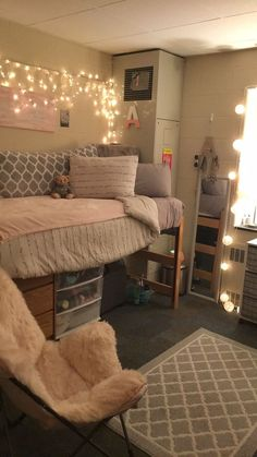 23 Most Popular Ways To Apartment Decorating College Bedroom Room Ideas Beds 43 College Dorm Room Ideas Apartment Bedroom beds College Decorating ideas popular room Ways College Bedroom Decor, Room Ideas Bedroom, College Dorm Rooms, Dorms Decor, College Dorm Decorations, College Dorm Bedding, Room Decorations, Bedroom Bed, Bedroom Apartment