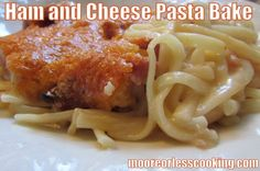 Ham and Cheese Pasta Bake - Moore or Less Cooking Ham And Cheese Pasta, Skillet Mac And Cheese, Cheesy Mac And Cheese, Bacon Pasta, Casserole Dishes, Casserole Recipes, Creamy Pasta Bake, Small Pasta, Pasta Dinners