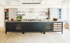 Bespoke Oak Kitchens by Plain English Modern kitchen interior design Home Kitchens, Modern Kitchen Interiors, Kitchen Inspirations, Kitchen Dining Room, Kitchen Renovation, Modern Kitchen, Country Kitchen, Kitchen Interior, Kitchen Style