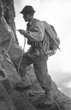 2002 retro ascent of the Eiger's north face, 1938 style! Eiger North Face, Skydiving Gear, Alpine Style, Photo Vintage, Mountain Climbers, Foto Art, Camping With Kids, Mountaineering, Rock Climbing