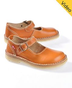 Sweet strap shoes from Duckfeet. New in the colour pumpkin.