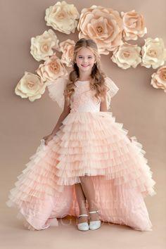 Her hair is adorable, seems like mine. Girls Fancy Dresses, Baby Girl Party Dresses, Fancy Dress For Kids, Little Girl Dresses, Pretty Dresses, Baby Dress, Kid Dresses, Wedding Dresses For Kids, Dress For Girl Child