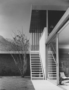 Kaufmann House -Richard Neutra-photo: Julius Shulman