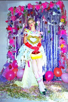 80s Prom, Queen Aesthetic, Prom Queens, Queen Fashion, Prom Night, Character Design Inspiration, Kawaii, Kitsch, Poses