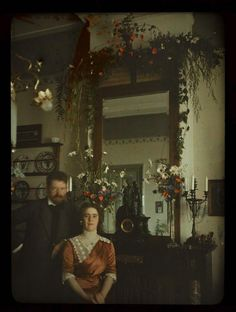An autochrome self-portrait of photographer Jacob Olie Jr. and his wife, Tini, c. Photo from the Rijksmuseum online archives . Victorian Photography, Old Photography, Colour Photography, Art Nouveau, Belle Epoque, Vintage Photographs, Vintage Images, Old Pictures, Old Photos