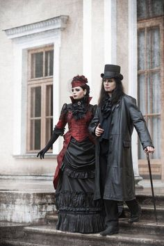 Amazing gothic couple.