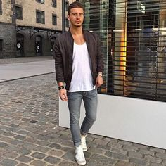@behn_watson  Tag @locamenstyle on your pics for your chance to get featured  #fashion#swag#style#stylish#swagger#jacket#menshair#pants#shirt#instalifo#handsome#polo#dapper#guy#boy#man#model#tshirt#shoes#menswear#mensfashion#jeans#suit#menstyle#dapperman#dapperstyle#dapperlife#doctor#mensshoes by locamenstyle