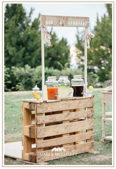 """""""I do"""" to these Fab 100 Rustic Wooden Pallet Wedding Ideas . - Geburtstagsideen -Say """"I do"""" to these Fab 100 Rustic Wooden Pallet Wedding Ideas . Table Decoration Wedding, Hippie Wedding Decorations, Garden Party Decorations, Party Garden, Garden Parties, Mexican Themed Party Decorations, Festival Garden Party, Wedding Centerpieces, Rustic Garden Party"""