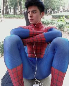 ask Send me your lycra pix Cute Teen Guys, Justice League Comics, Spiderman Costume, Big Boyz, Bike Wear, Male Cosplay, Amazing Spiderman, Boys Jeans, Costume Dress