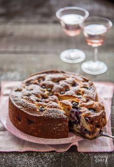 Ricotta cake with blueberries - Ricottacake met blauwe bessen - Culy. Sweet Desserts, No Bake Desserts, Sweet Recipes, Baking Recipes, Cake Recipes, Dessert Recipes, Cake Cookies, Cupcake Cakes, Ricotta Cake
