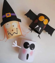 DIY: Halloween decorations out of toilet paper rolls….:) – Dani DIY: Halloween decorations out of toilet paper rolls….:) DIY: Halloween decorations out of toilet paper rolls…. Halloween Infantil, Theme Halloween, Adornos Halloween, Manualidades Halloween, Halloween Crafts For Kids, Halloween Activities, Holidays Halloween, Halloween Treats, Fall Crafts