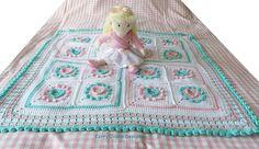 CROCHET PATTERN  Halo Heart Crochet Blanket Pattern Baby crochet blanket Pattern Crochet heart pattern Heart Granny Square Blanket Pattern by KerryJayneDesigns on Etsy https://www.etsy.com/listing/233858826/crochet-pattern-halo-heart-crochet
