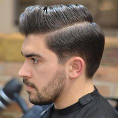 There are many fashionable ways to wear a comb over fade haircut. Because a comb over is a versatile, trendy hairstyle, it is perfect for all hair types. Popular Mens Haircuts, Cool Mens Haircuts, Cool Hairstyles For Men, Best Short Haircuts, Modern Haircuts, Hairstyles Haircuts, Haircut Short, Wedding Hairstyles, Long Hair On Top