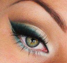 Grünes Augen Make Up Tendance Maquillage Yeux 2017 / 2018 Terre de maquillage Gorgeous Makeup, Pretty Makeup, Love Makeup, Makeup Looks, Teal Makeup, Green Makeup, Awesome Makeup, Makeup Style, 1980 Makeup