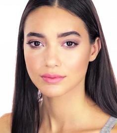 6+Super-Flattering+Makeup+Tutorials+for+Brown+Eyes+via+@byrdiebeauty