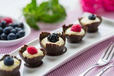 Chocolate mini baskets with mascarpone filling Cestini di cioccolato con crema al mascarpone Video tutorial su www.visualfood.org