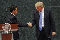 #Política: #Trump le dice a #México desde #LosPinos que el muro va, y que luego ve con #PeñaNieto cómo pagarlo.