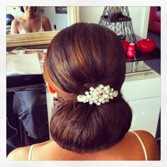 Bride style, updo, low bun, glamour bride style