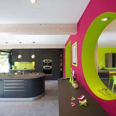Looking for a Maison Interieur Couleur. We have Maison Interieur Couleur and the other about Maison Interieur it free. Kitchen Splashback Designs, Layout, Kitchen Colors, Kitchen Ideas, Planer, Home Kitchens, Modern Decor, Interior Design, Inspiration