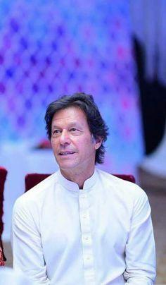 Imran Khan Pic, Imran Khan Pakistan, Imran Khan Cricketer, Pti Pakistan, President Of Pakistan, Reham Khan, Choices Quotes, The Legend Of Heroes, Punjabi Poetry