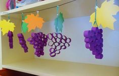 grape craft ideas (2) «  funnycrafts Diy For Kids, Crafts For Kids, Arts And Crafts, Kindergarten Crafts, Preschool Crafts, Autumn Activities, Preschool Activities, Decor Crafts, Easy Crafts