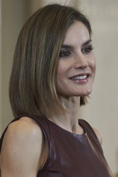 Royals & Fashion - Queen Letizia held several hearings at the Zarzuela Palace, in Madrid. The palace also announced today that King Felipe was awarded the Order of the Golden Fleece to the Princess Leonor (the highest order in Spain) on the occasion of her 10th Birthday tomorrow.