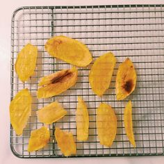 How to Dehydrate Fruit in the Microwave