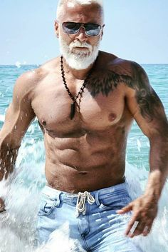 Body Building Workouts - Health In Men Fit over 60 – Bodybuilding muscle workout using different workout techniques like u - Fitness Man, Health Fitness, Mens Fitness Model, Male Fitness Models, Easy Fitness, Men Health, Health Club, Fitness Life, Fitness Goals
