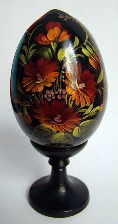 russian wooden decorative egg  Zhostovo
