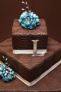 Gâteau de mariage au chocolat /  Chocolate wedding cake.