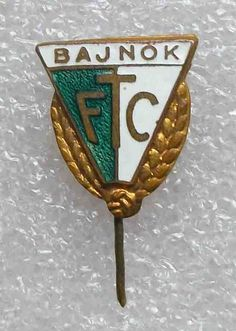 football/soccer pin HUNGARY FERENCVAROSH Torna Club BUDAPEST FTC enamel rare