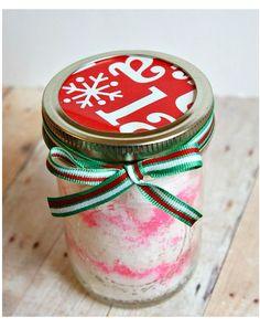 Great #DIY gift for #Christmas: Homemade Peppermint sugar scrub