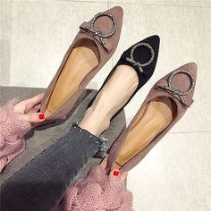 Fall Winter Shoes, Tolu, Designer Pumps, Fashion Corner, Beautiful Toes, Pretty Shoes, Pink Shoes, Womens High Heels, Bridal Shoes