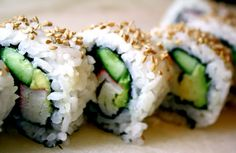 How to make: California Rolls Step by Step photos and recipe !  Soooo simple!!!