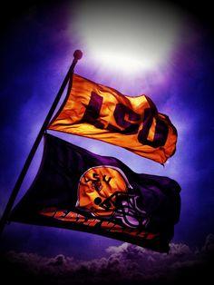 Nothing like football season! Lsu Tigers Football, Saints Football, Ohio State Football, College Football, American Football, Cheerleading Gifts, Softball Gifts, Basketball Gifts, Tiger Stadium