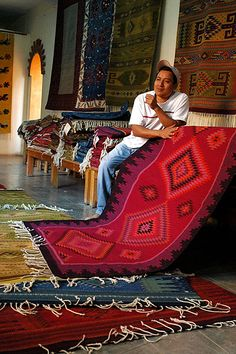 Outstanding mexican rug dealers Images, luxury mexican rug dealers or cochineal dyed wool rug oaxacan highlands oaxacan rugs are some of the finest examples of weaving that exists today 59 home interior design software Mexican Rug, Mexican Textiles, Mexican Crafts, Mexican Folk Art, Mexican Style, Textile Museum, Art Textile, Oaxaca City Mexico, Mexico Tours
