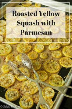 Baked Yellow Squash with Parmesan is a tasty way to prepare fresh yellow squash as a side dish. The brown and crispy cheese bits are not to be missed. Yellow Squash Chips, Cooking Yellow Squash, Easy Yellow Squash Recipes, Oven Roasted Squash, Parmesan Squash, Baked Squash, Side Dish Recipes, Vegetable Recipes, Recipes