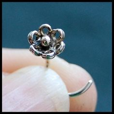 In My Garden - Sterling Flower Nose Stud - L or Screw End