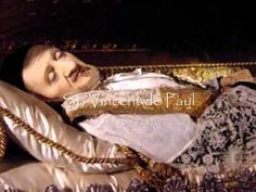 The Incorruptibles - Saints whose bodies have remained miraculously incorrupt to this day. Catholic Confirmation, Catholic Saints, Roman Catholic, Catholic Orders, Catholic Store, Incorruptible Saints, St Clare's, Saints Days, After Life