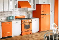 Contemporary orange kitchen cabinets designs orange and white kitchen Kitchen Cabinets Decor, Farmhouse Kitchen Cabinets, Wooden Kitchen, Painting Kitchen Cabinets, Kitchen Cabinet Design, Kitchen Paint, Modern Kitchen Design, Kitchen Countertops, Vintage Kitchen